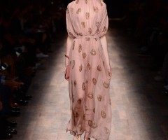 http://wallpapers.red/2181159-valentino-fashion-ss-wallpapers.html