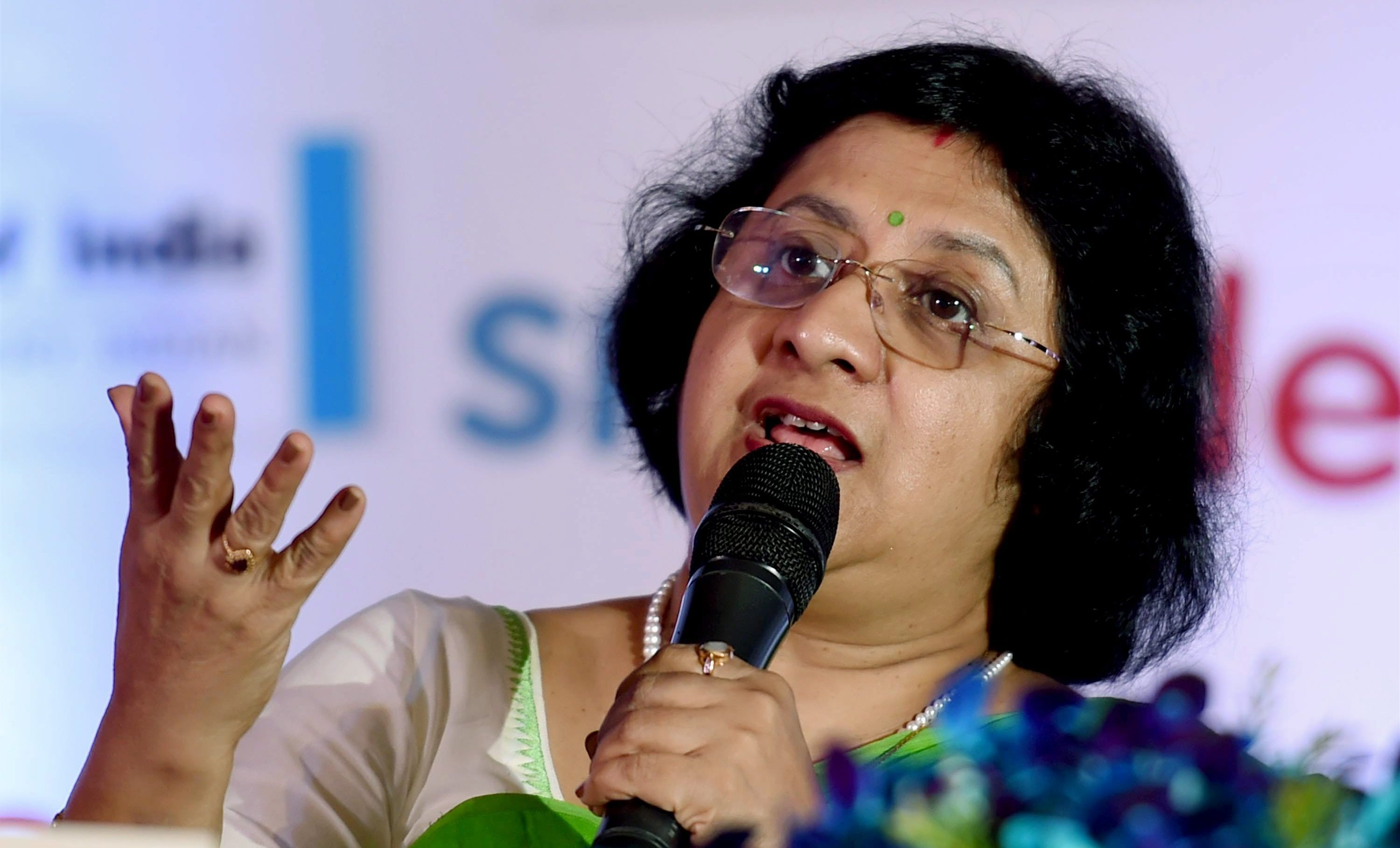 http://www.deccanchronicle.com/150527/business-latest/article/four-indians-among-worlds-100-most-powerful-women-forbes