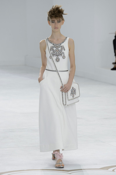 http://www.stylebistro.com/runway/Chanel/Couture+Fall+2014/-71c-yiDH_i